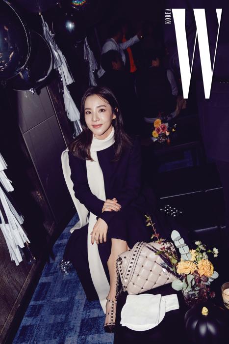 파티에서 친구들과 즐거운 시간을 보낸 산다라 박.